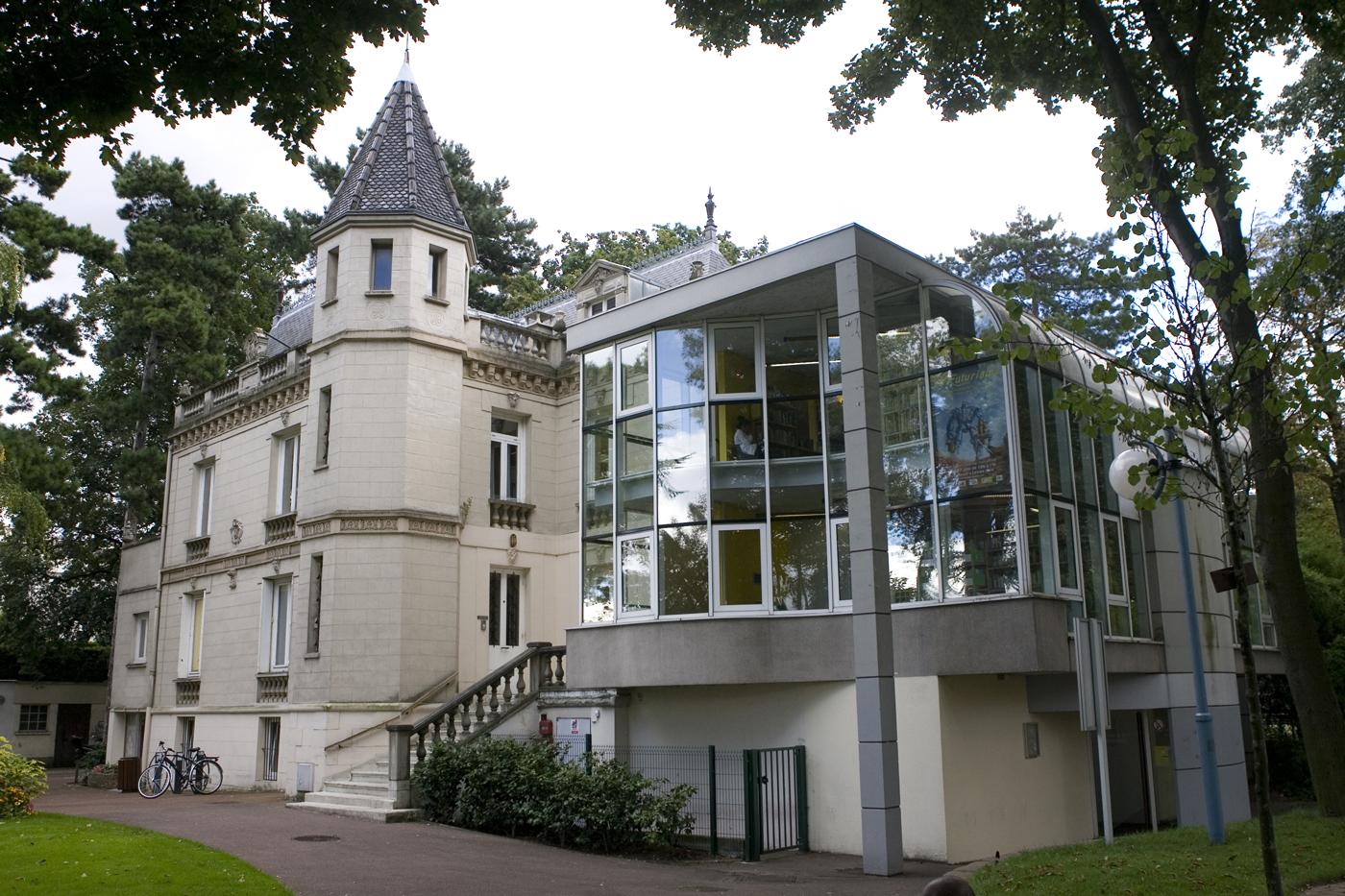 Bibliothèque Dumont
